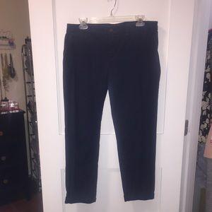 GAP - Broken In Straight Khakis